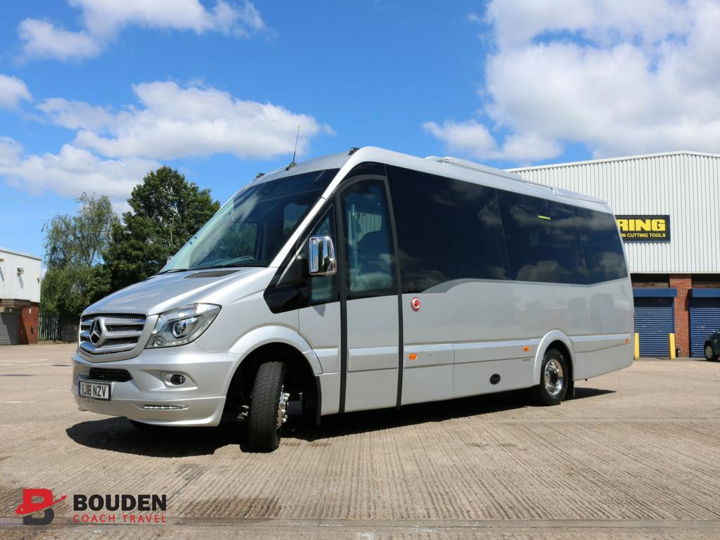 luxury-minibus-hire-with-driver-for-vip-clients